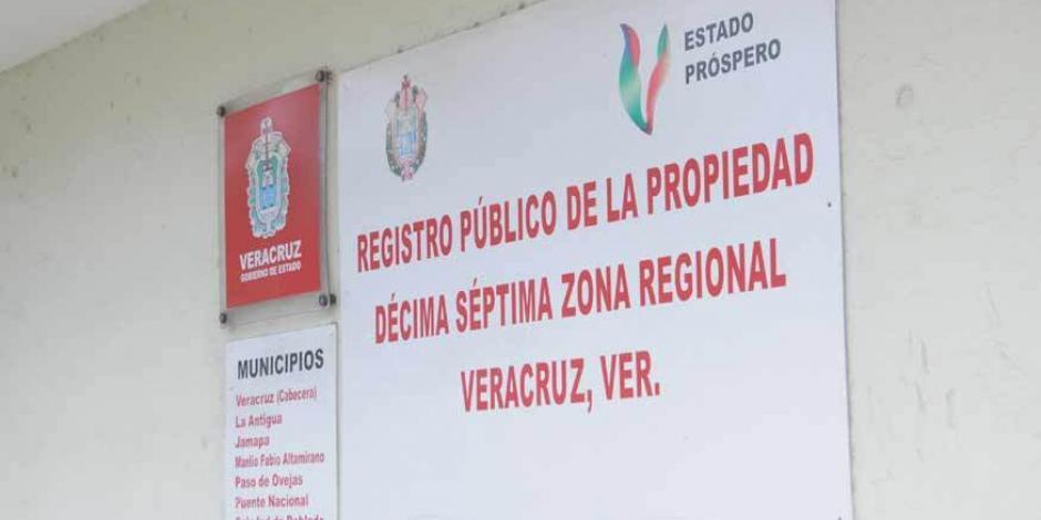 Bajo cuestionamiento, labor notarial del padre del fiscal de Veracruz