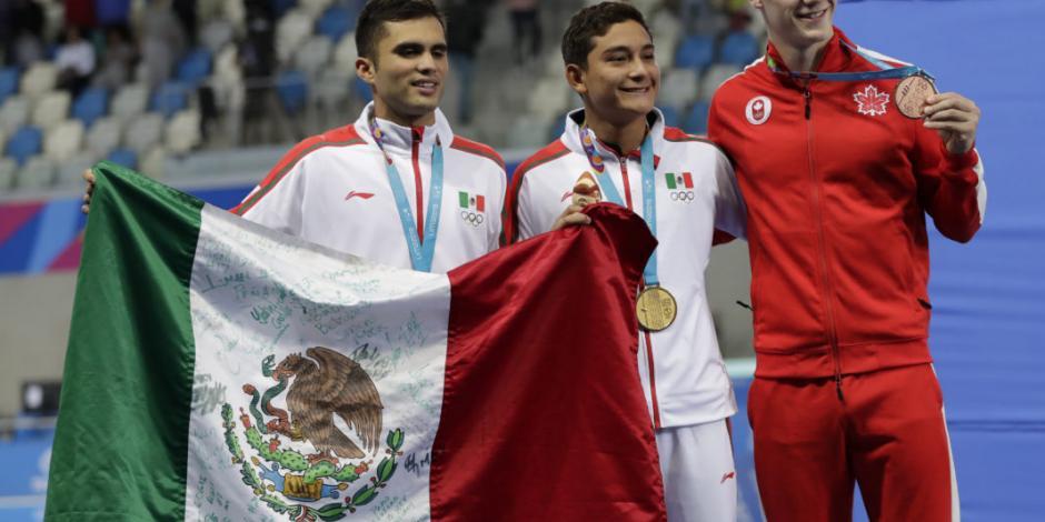 México hace el 1-2 en clavados 10 metros