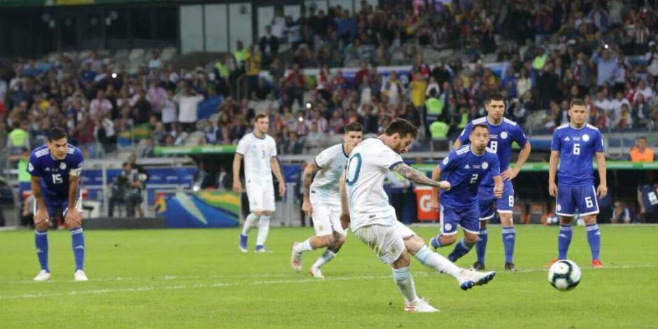 Argentina rescató el empate ante Paraguay y es último de su Grupo