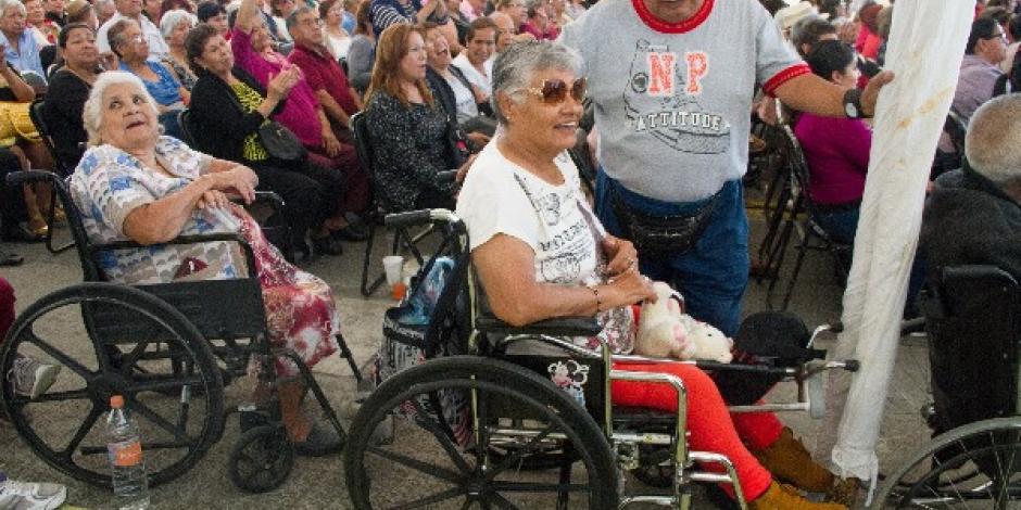 Reasignarán 8 mil mdp para pensiones de adultos mayores y personas con discapacidad