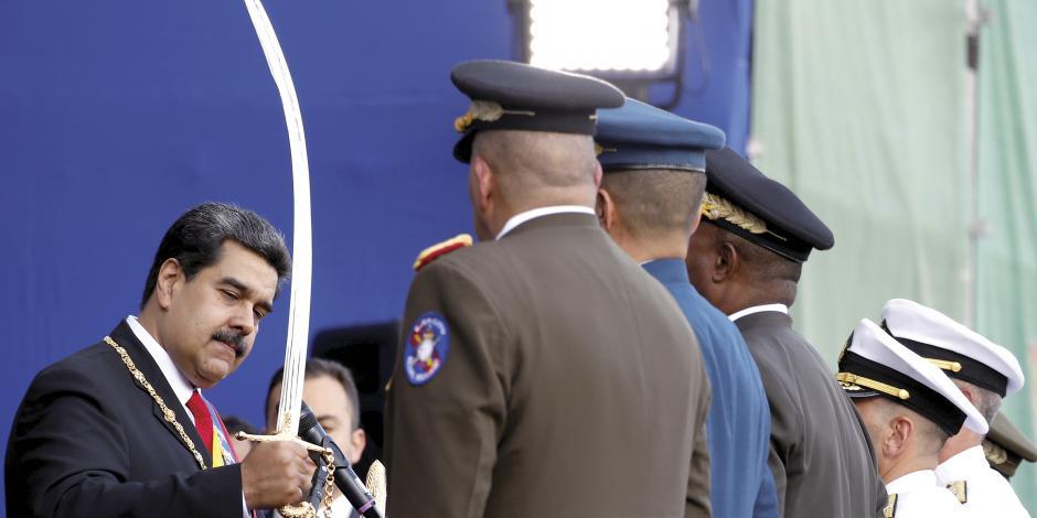 La OEA decide romper con Maduro; México, ser