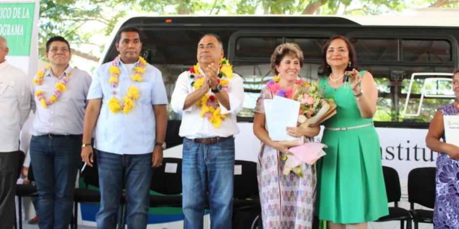 Entrega Astudillo apoyos y beneficios en Costa Chica de Guerrero