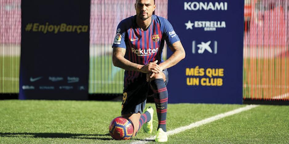 Jugar con Lio y Suárez es un regalo: Boateng