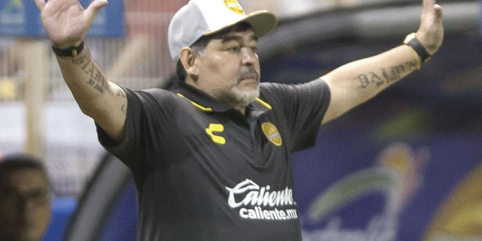Problemas de salud terminan con era de Maradona en México