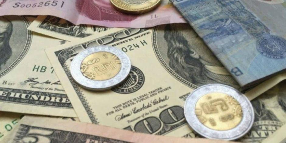 Con recorte de tasa; peso logra ligera ganancia frente al dólar