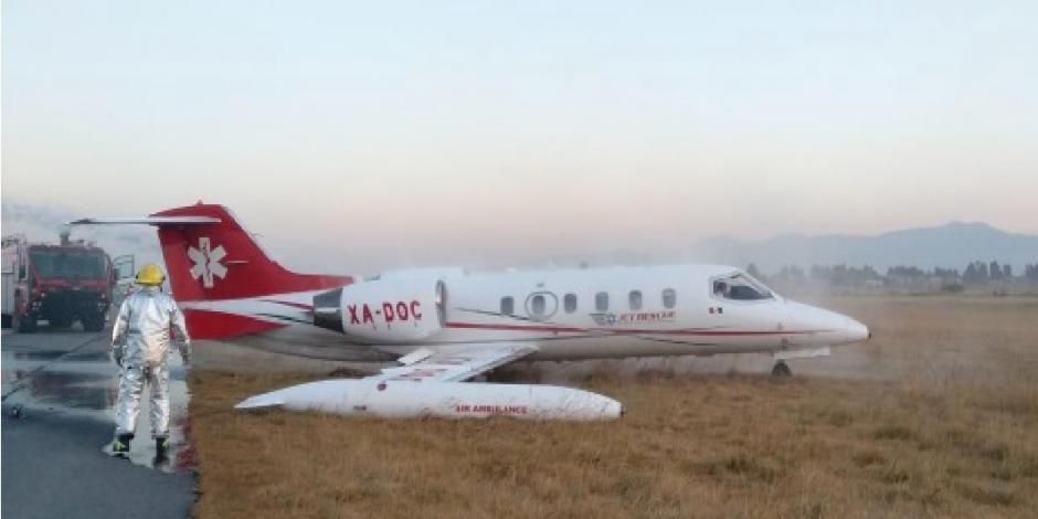 VIDEO: Aeronave sale de pista y derrapa en aeropuerto de Toluca
