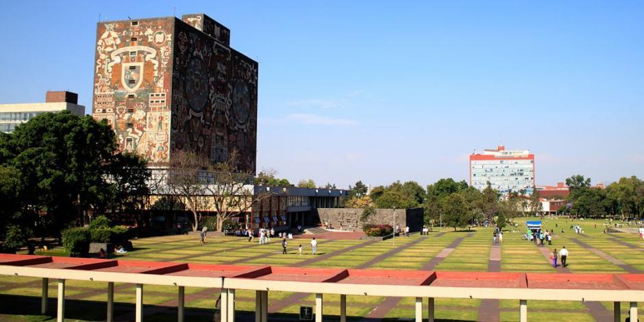 La UNAM fue maltratada y estigmatizada en la época neoliberal: AMLO