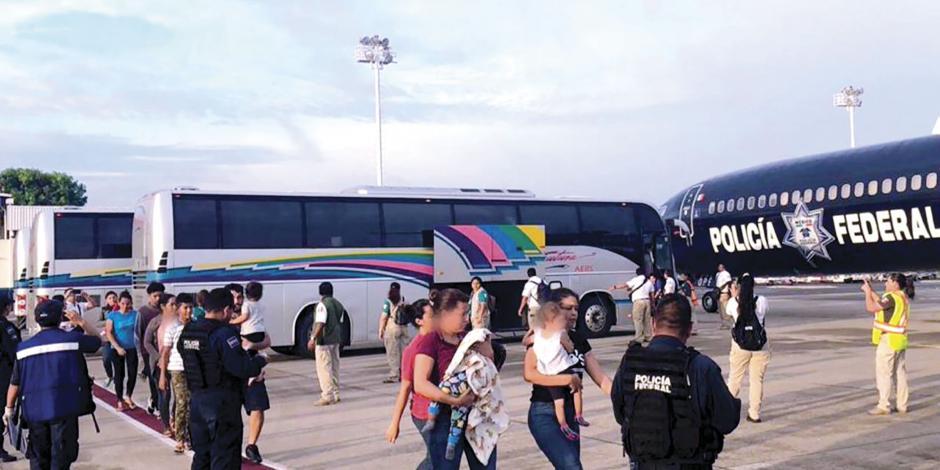 Deportan a 105 hondureños; en dos días van 214