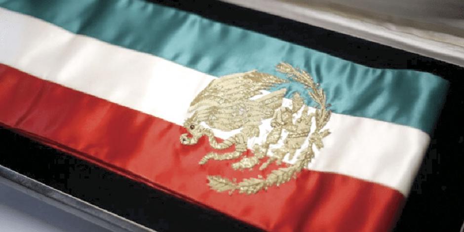 Propone Morena limitar uso de banda presidencial