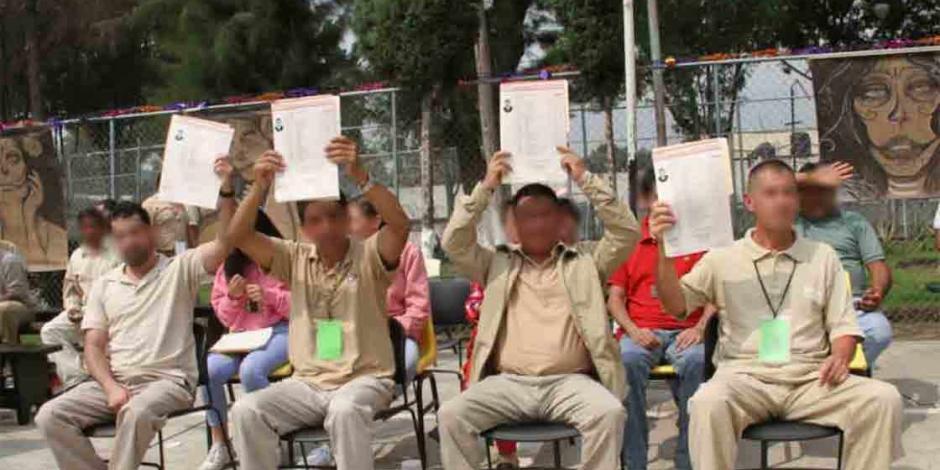 Cuatro presos del Reclusorio Oriente se titulan como abogados