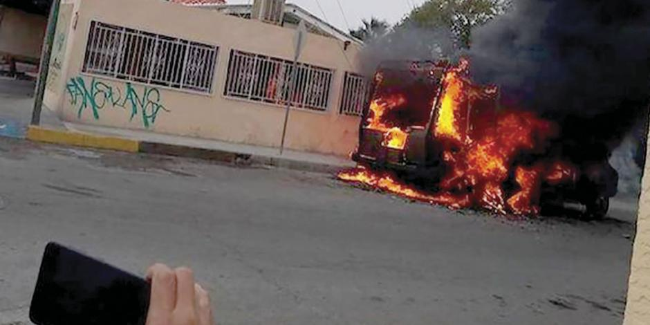 En Juárez, autos calcinados, alertas de bomba...