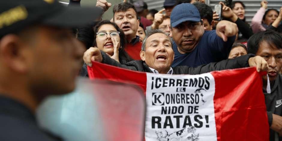 Crisis eleva popularidad del Presidente de Perú, Martín Vizcarra