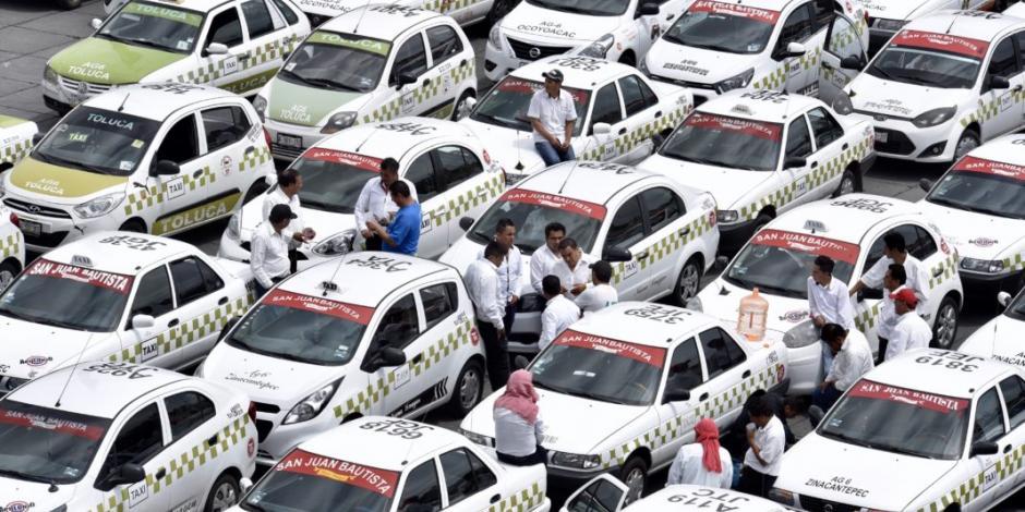 Autoridades capitalinas acuerdan reuniones con taxistas