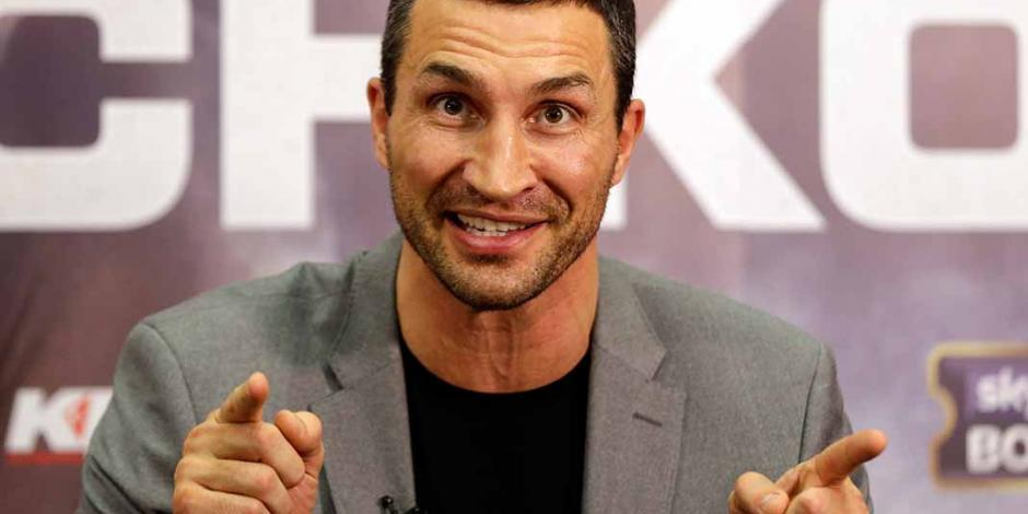 Guardacostas salvan a Klitschko y su familia de incendio en un yate