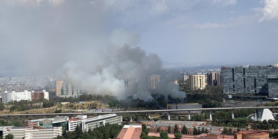FOTOS: Se registra un incendio frente a parroquia de Santa Fe
