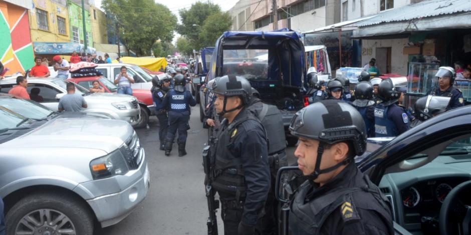 Aseguran a ocho personas y 13 vehículos durante operativo en Puebla