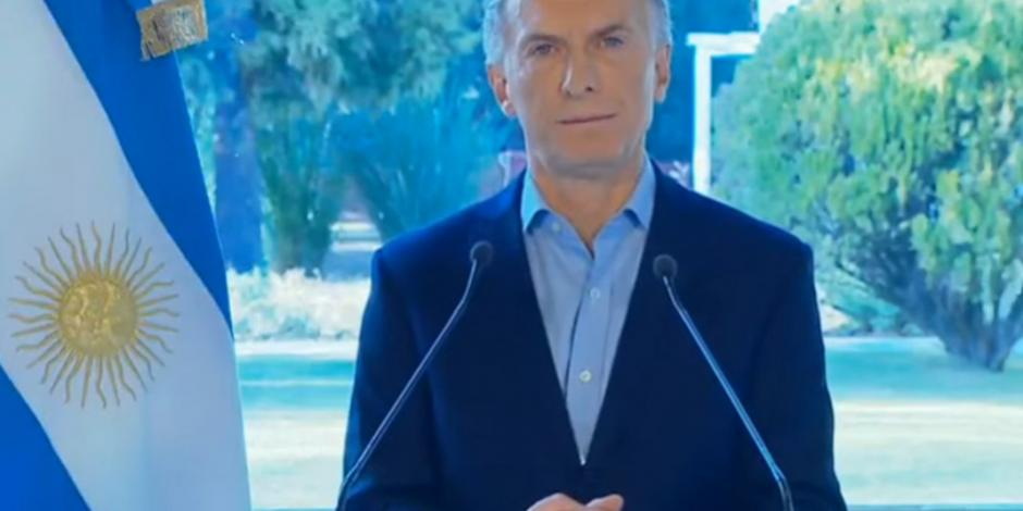Macri pide perdón a argentinos con un aumento al salario