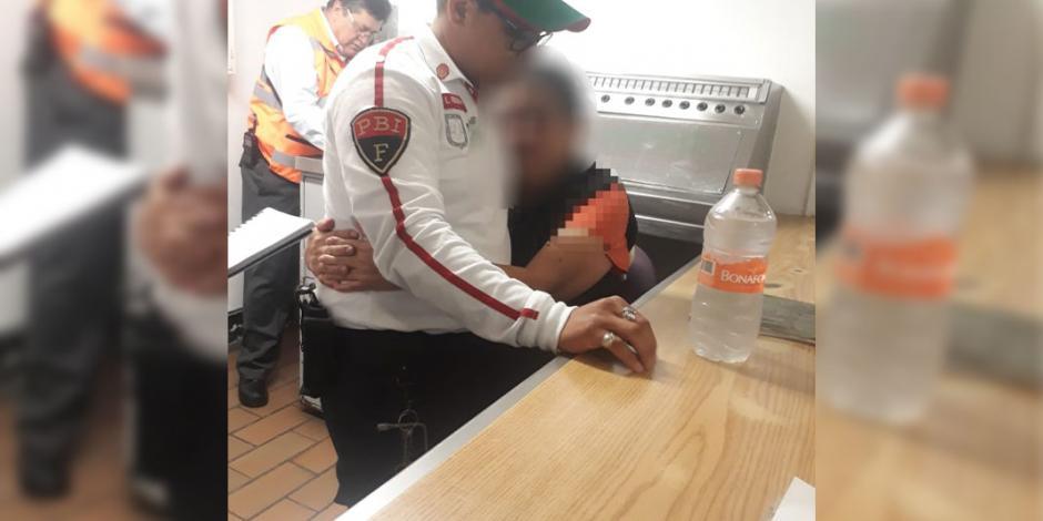 Policías evitan suicidio en la estación Panteones del Metro