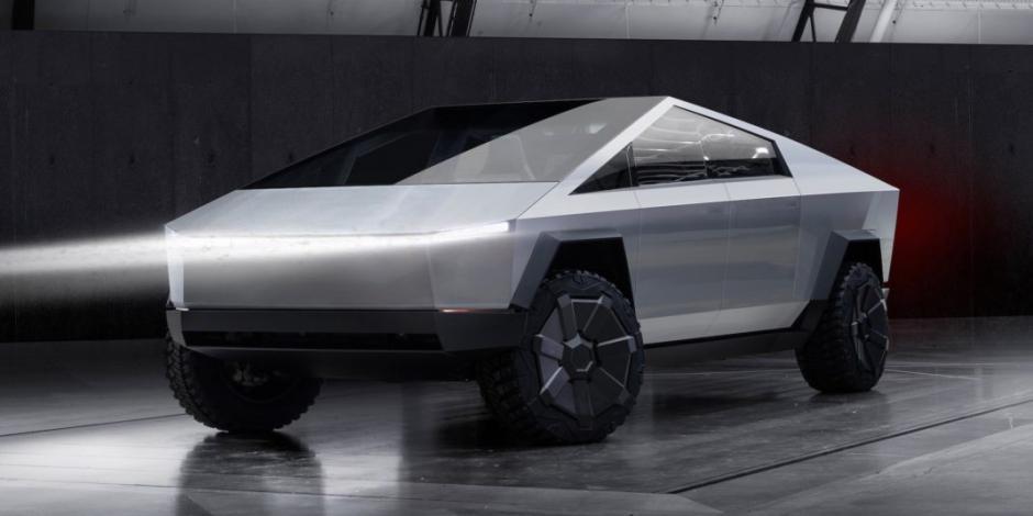 El-CEO-de-Tesla-Elon-Musk-presenta-Cybertruck-la-nueva-pickup-eléctrica.