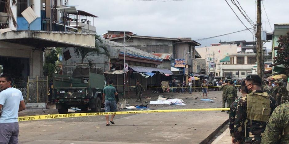 Explotan dos bombas frente a catedral de Filipinas; hay 19 muertos
