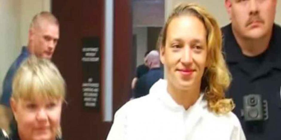Mujer recibe cadena perpetua tras apuñalar 70 veces a su hija