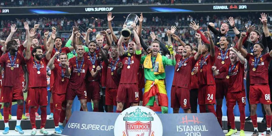 Liverpool ratifica su reinado en Europa con la Supercopa