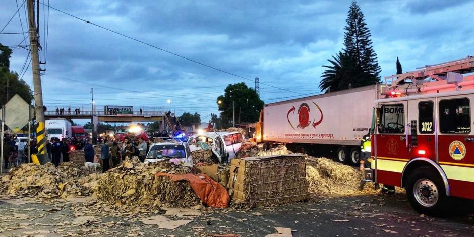 Accidente de tráiler en la Lechería-Texcoco deja un muerto y 5 lesionados