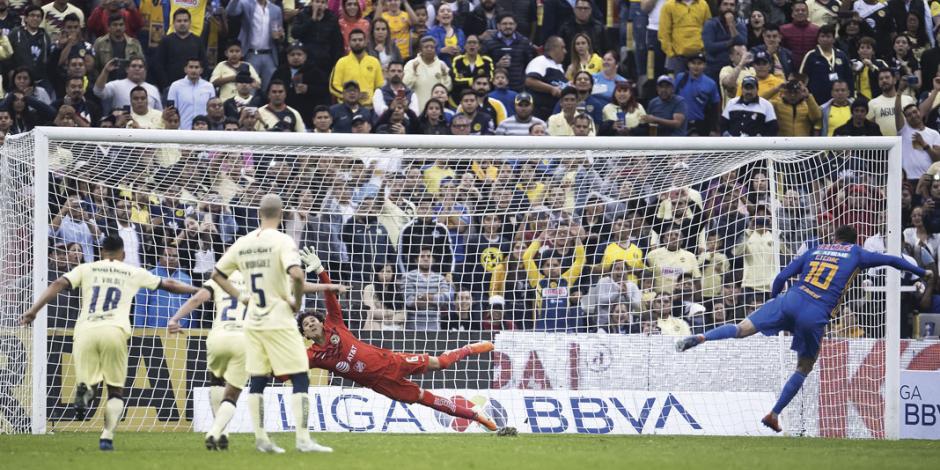Errores del América dan ventaja a Tigres en el partido de ida