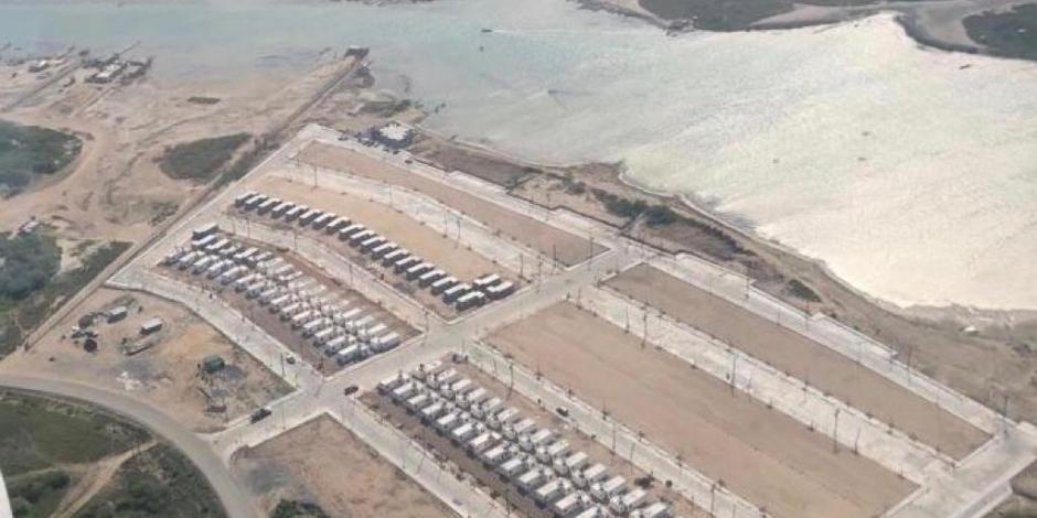 Gobernador supervisa construcción de viviendas para pescadores en Matamoros
