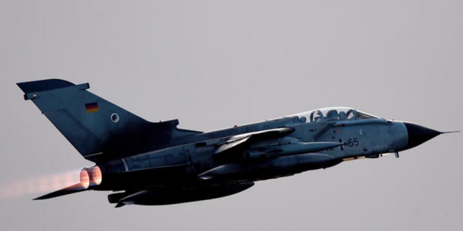 Chocan en el aire aviones de la fuerza aérea alemana