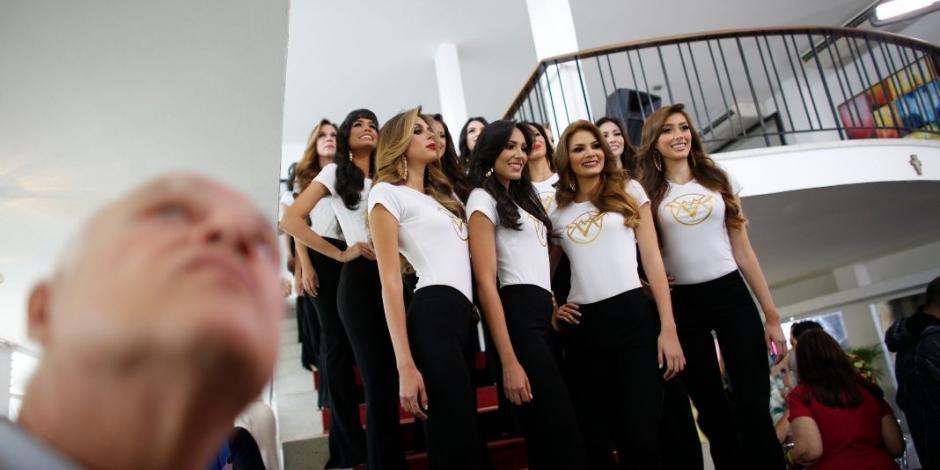 Miss Venezuela distrae momentáneamente de crisis que vive el país