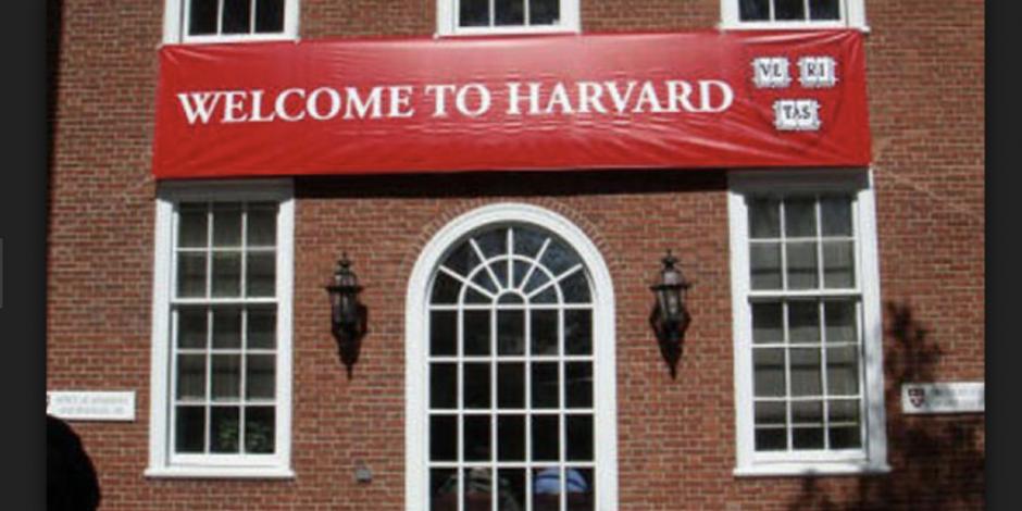 Demandan a Harvard por lucrar con fotos de dos esclavos negros