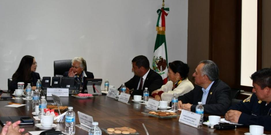 Sánchez Cordero y diputados analizan bloqueos a accesos a San Lázaro
