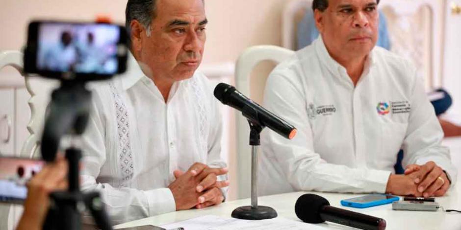 Héctor Astudillo expresa solidaridad con AMLO para defender intereses de México