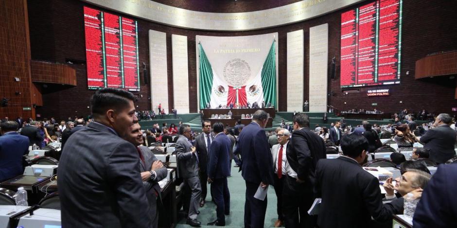 Con voto en contra del PAN, diputados aprueban revocación de mandato