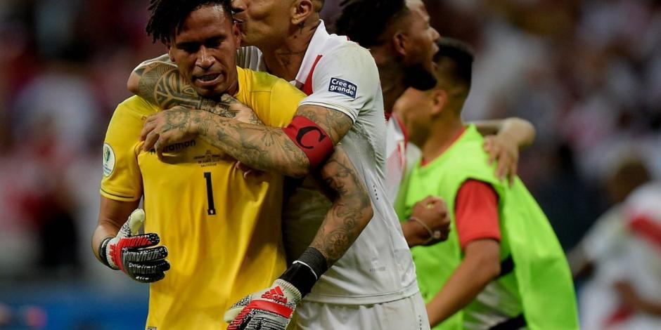 Perú sorprende a Uruguay y avanza a semis de Copa América