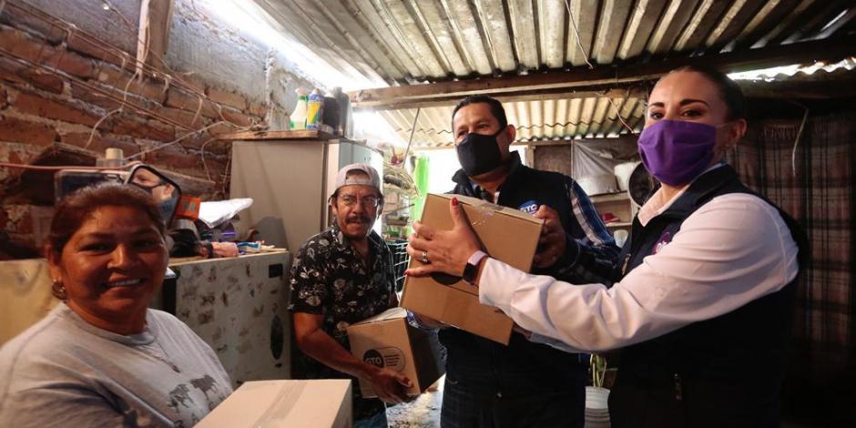 Gobernador Diego Sinhue ha coordinado la entrega de despensas en su entidad.