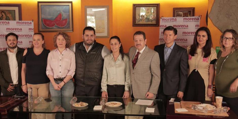 Ex militantes de PRD, PRI, PAN se suman a Morena en CDMX