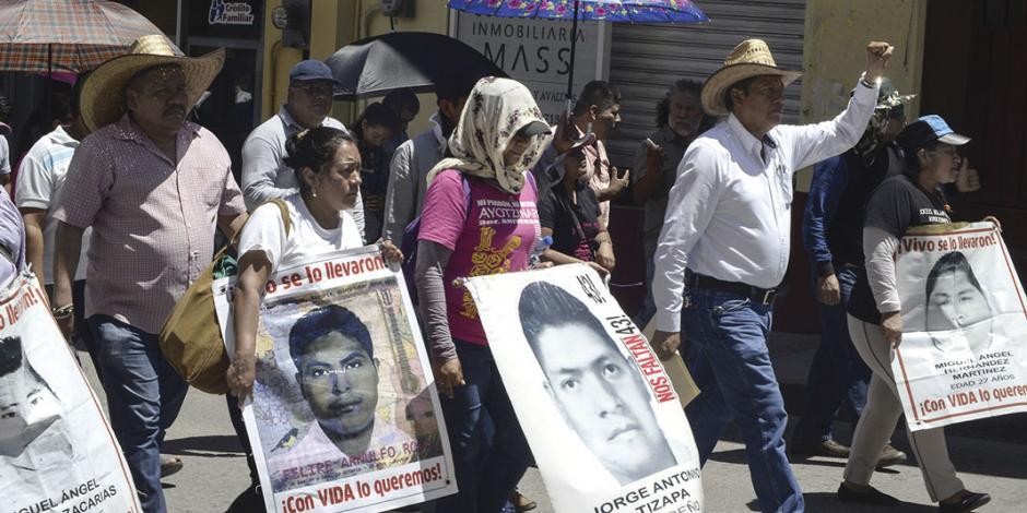 CNDH pide giro en caso Iguala y acusa desatención a 37 observaciones