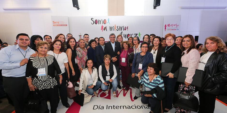 El SNTE, primer sindicato en América Latina en asegurar la equidad de género: Díaz de la Torre