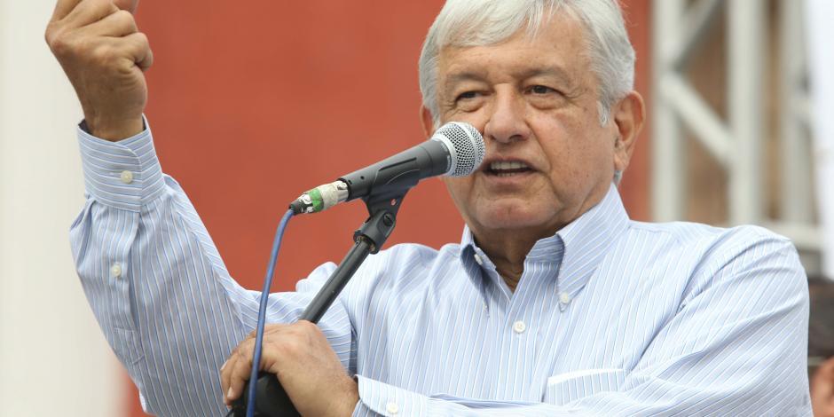Arremete AMLO contra Presidencia, Reforma Educativa...