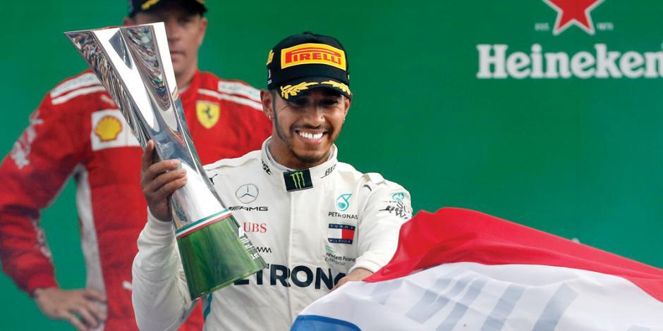 Lewis, líder absoluto y se aleja 30 puntos