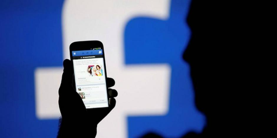 Unión Europea lanza ultimátum a Facebook para aclarar filtración de datos