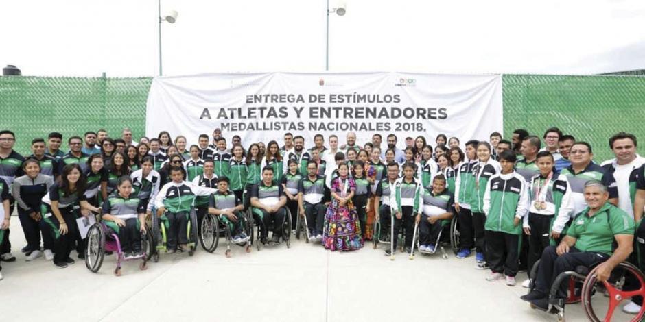 Manuel Velasco reconoce a atletas chiapanecos