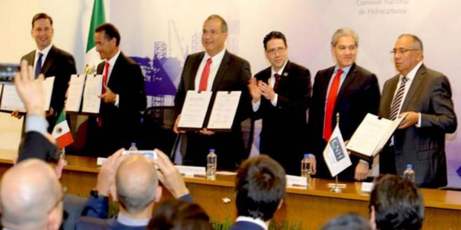 Firma Pemex contrato de exploración y producción con SMB para incrementar  rentabilidad