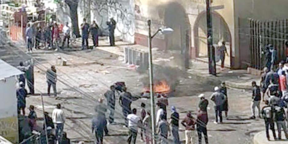 Defienden predio en Azcapotzalco a tiros, con policías