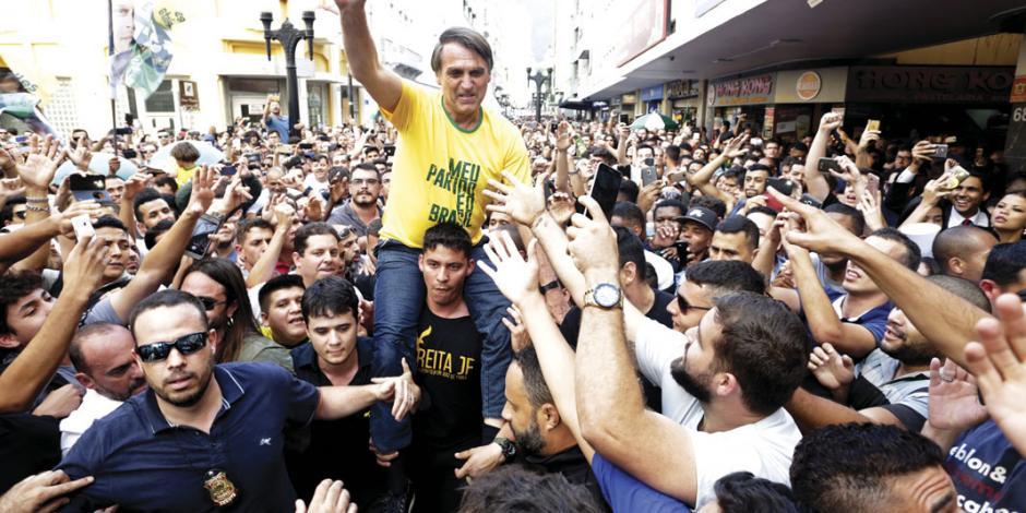 Tensión electoral en Brasil se eleva: atacan con un cuchillo al candidato puntero