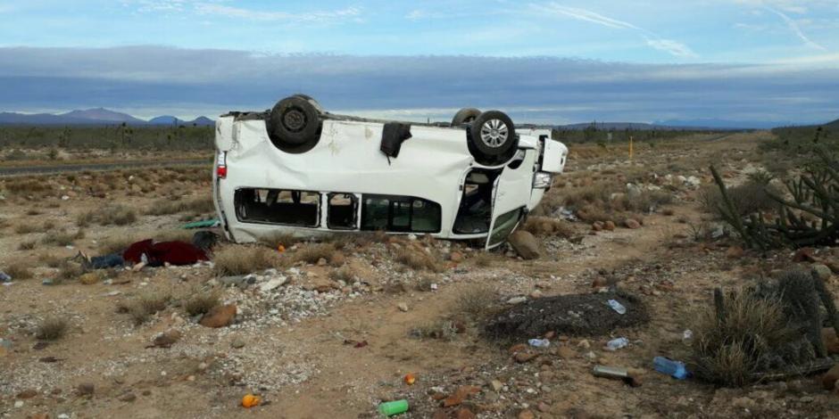 Marichuy y su caravana sufren accidente carretero en BCS