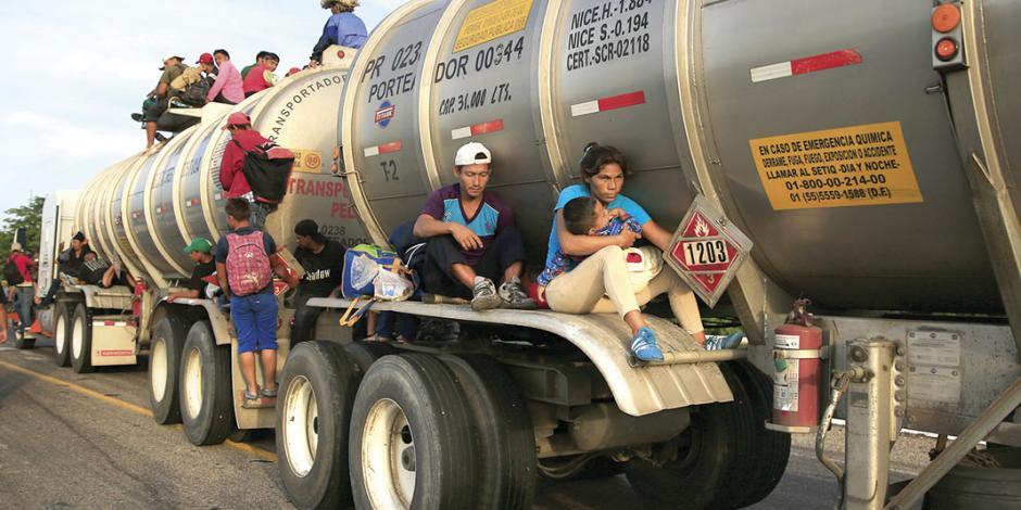 Caravana llega a Juchitán; tercer contingente inicia ingreso al país