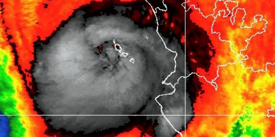 Huracán Willa se degrada a categoría 3